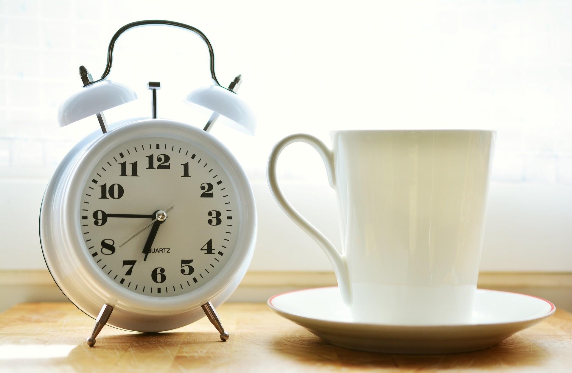 alarm clock 2116007 1920