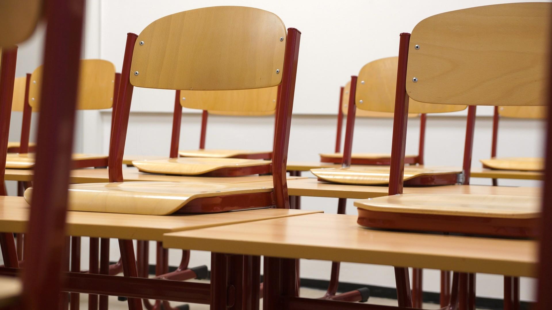 classroom 824120 1920
